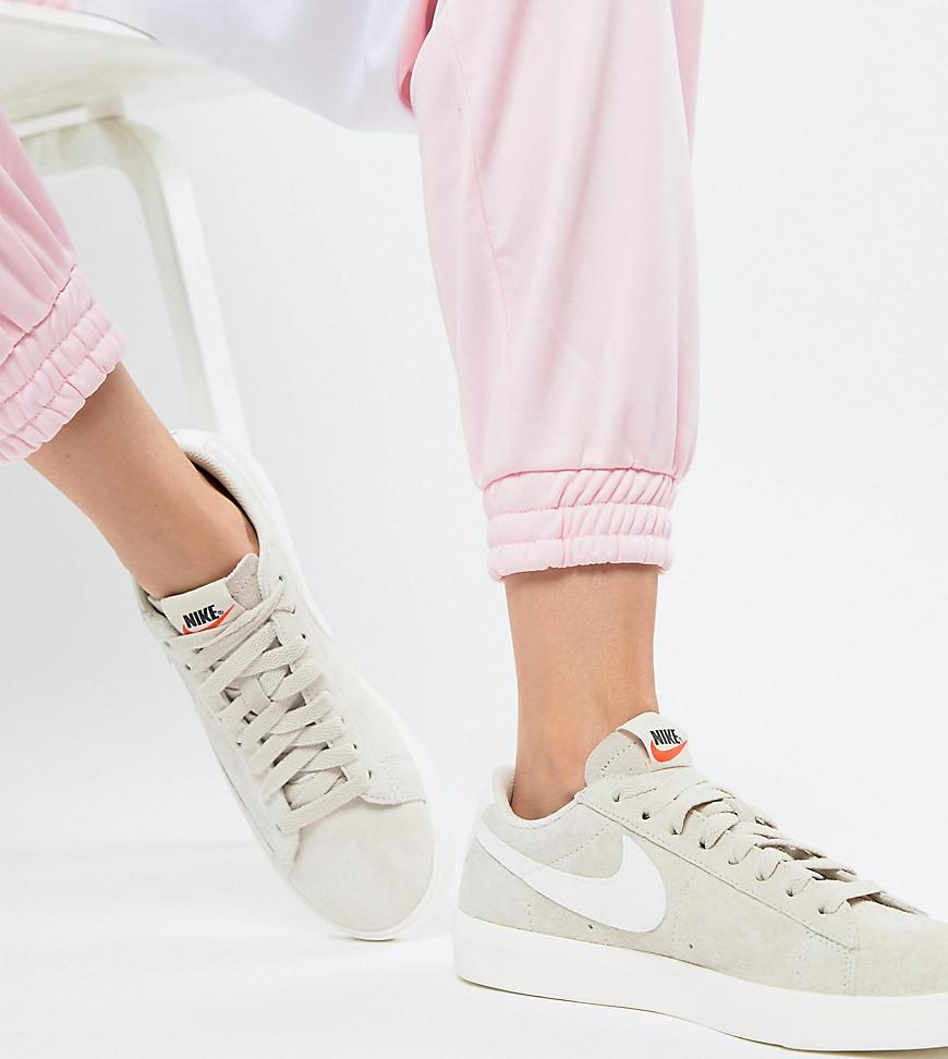 Nike Sneakers | Women