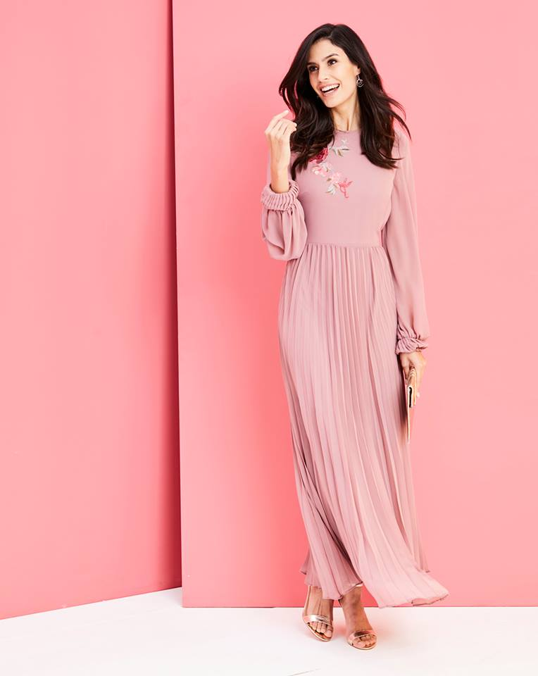 Fashion World Dresses Outlet